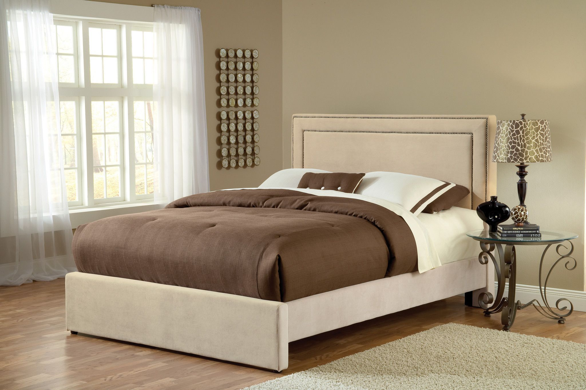 The Amber bed is both fashionable and comfortable. An