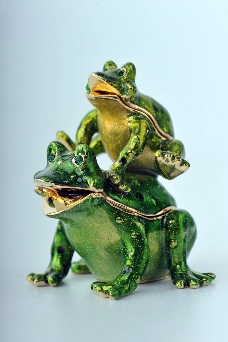 Faberge 2 jumping frogs trinket box by Keren Kopal Swarovski Crystal - Each item is made of pewter