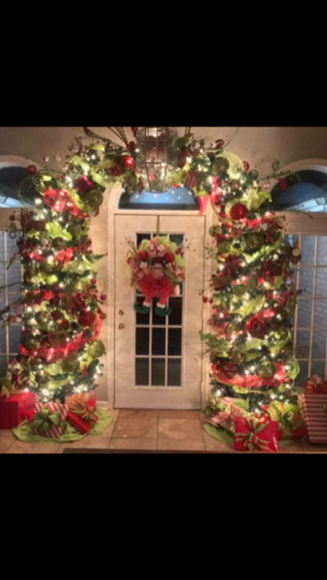 Love this fun arched tree!! | Weihnachtsdeko | Pinterest