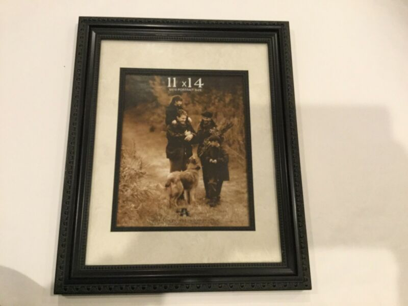 Black Picture Frame Frame Size 11 X 14 Portrait Size 8 X 10 Brand New In 2020 Painted Picture Frames Picture Frame Gallery Gold Picture Frames