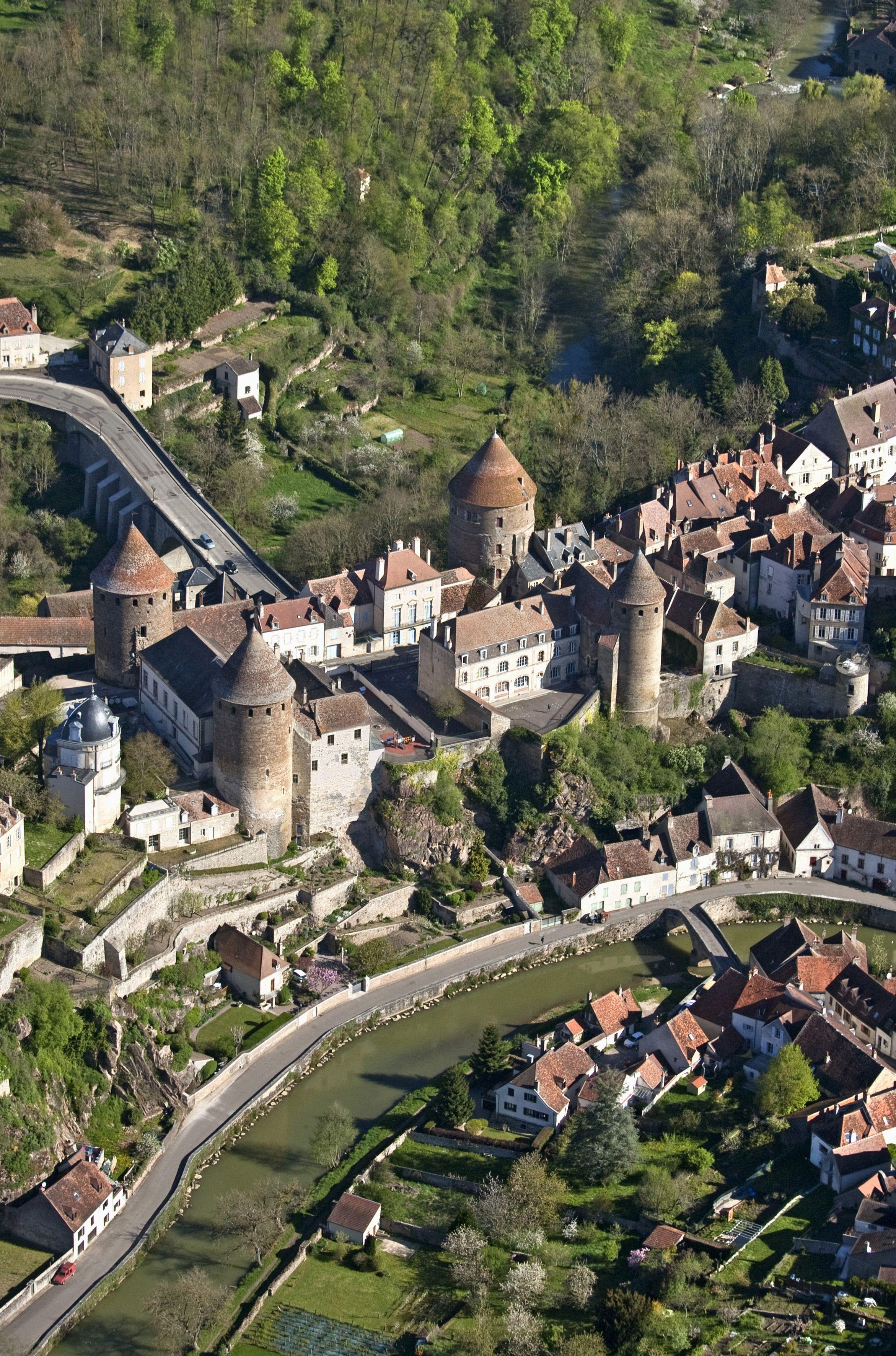 Les Plus Beaux Villages De Bourgogne : beaux, villages, bourgogne, Belles, Photos, Bourgogne, Tourisme,, Bourgogne,, Visiter
