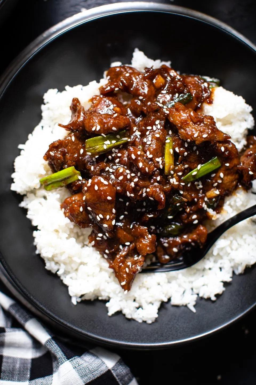 Easy Mongolian Beef Recipe Video Recipe Mongolian Beef Recipes Beef Recipes Easy Mongolian Beef
