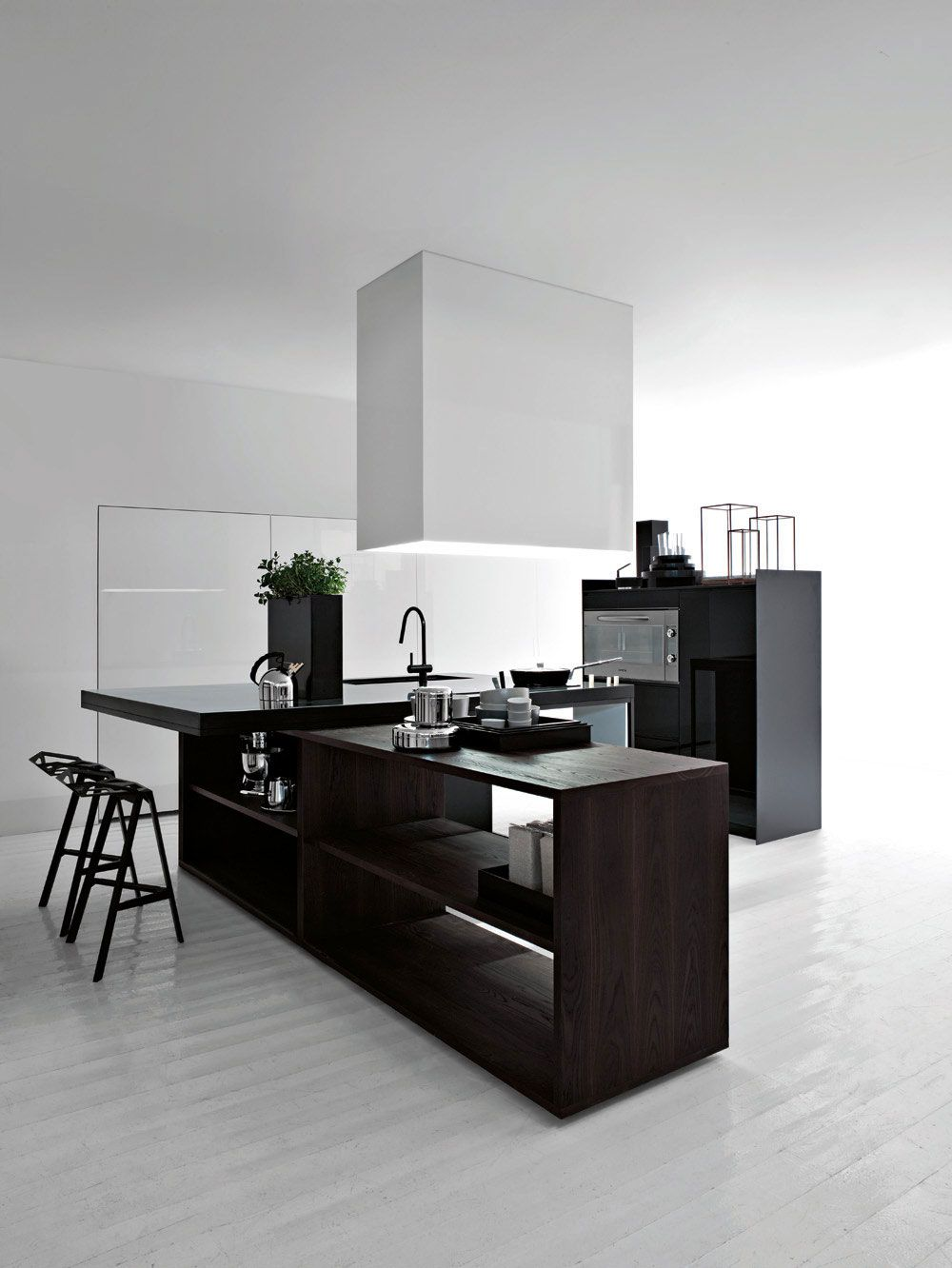 Black And White Minimalist Kitchen Island Contemporary Kitchen Design Modern Kitchen Design Contemporary Kitchen