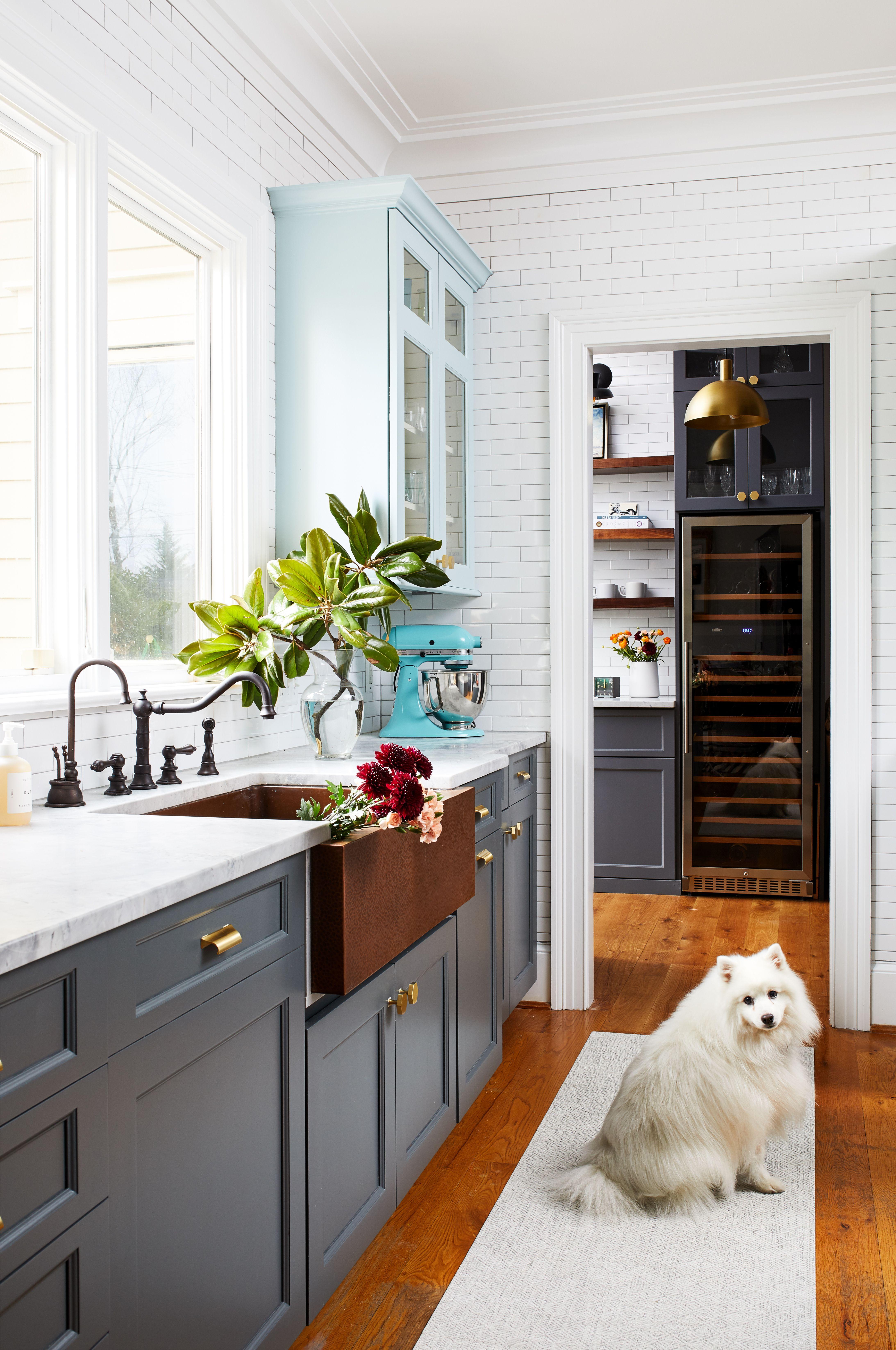 Stunning Copper Sink And An Equally Stunning Puppy Kitchen Cabinet Styles Dark Blue Kitchen Cabinets Kitchen Renovation