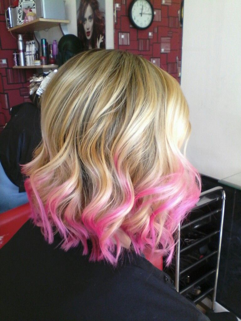 Super Fun Blonde Balayage With Pink Tips On Short Shoulder Length Hair With Loose Curls Waves T Pink Hair Tips Short Hair Balayage Blonde Hair With Pink Tips