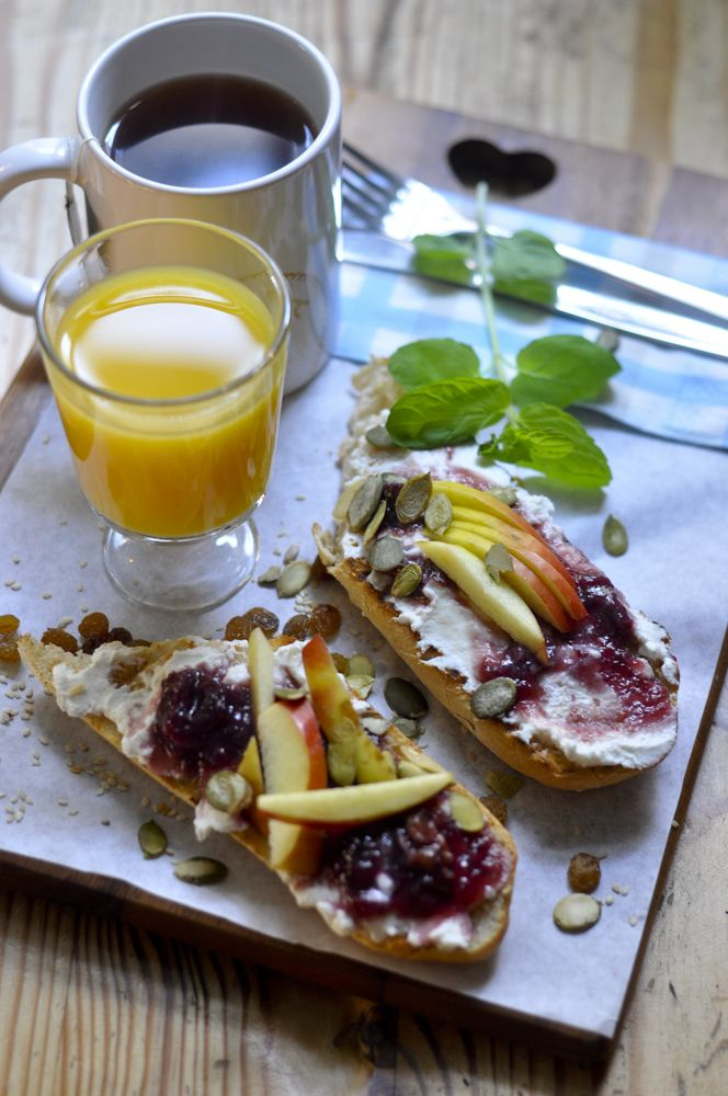 French Toats, Coffe and Orange Juice a perfect Breakfast