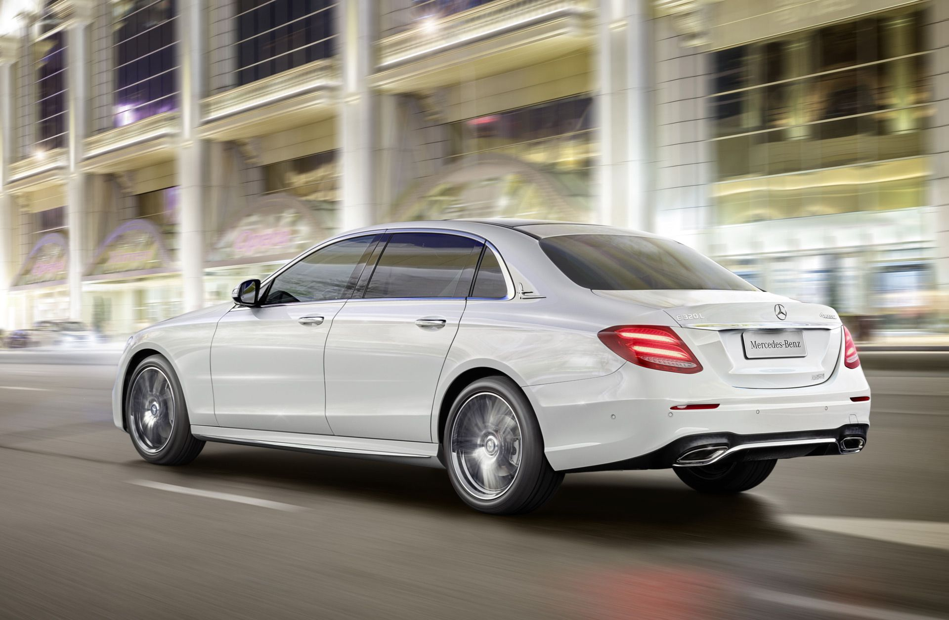 Long Wheelbase Mercedes Benz E Class Launches In China Benz E Class Benz Benz E