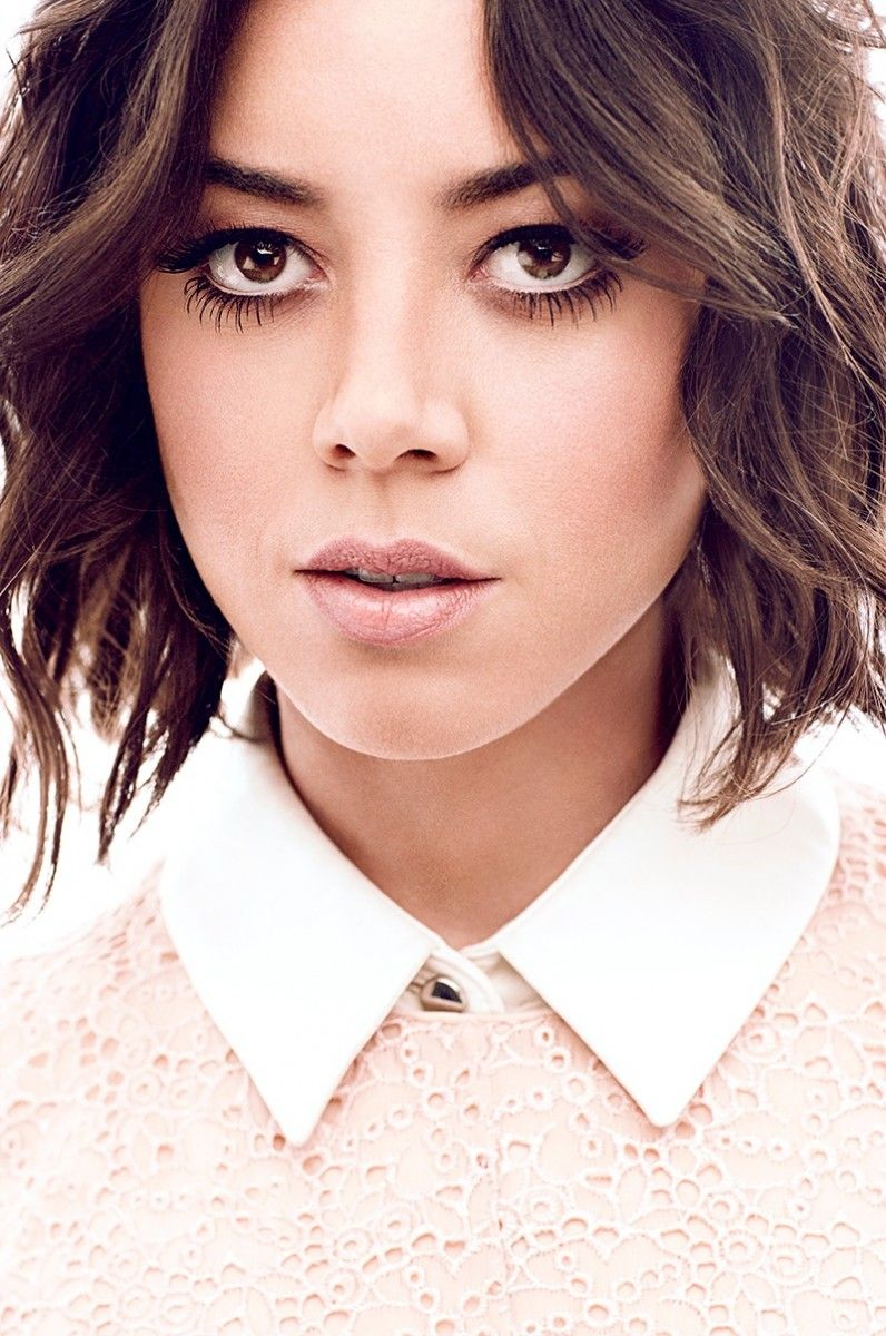 Aubrey Plaza Poses For Chris Nicholls In Glow Winter 2014 Short Hair Styles Short Hair Styles Easy Celebrity Short Haircuts