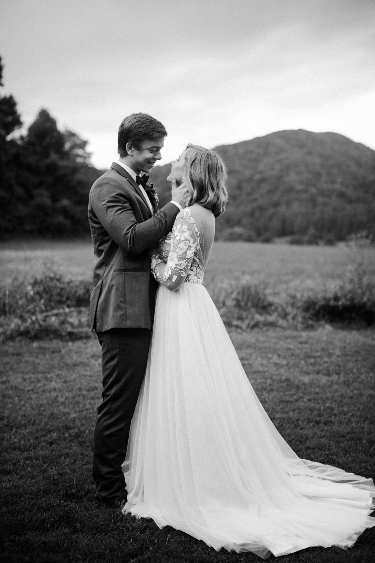 Sundara Wedding Venue In Roanoke Va Wedding Portraits In 2020 Wedding Venues Wedding Portraits Va Wedding