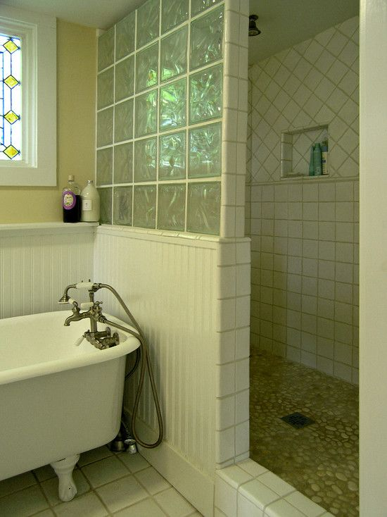 Glass Block Shower With White Tile Pin Doesn T Go Directly To Page Of Above Project So Look At