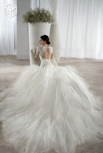 Robe de mariée Créateur : DemetriosAnnée 2016