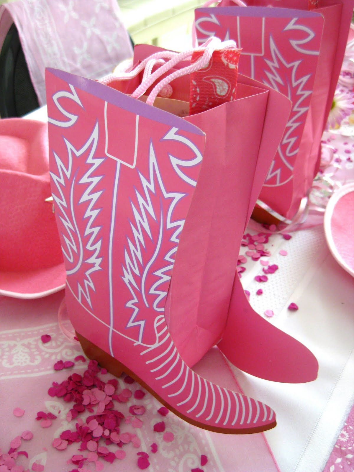 Cowgirl Birthday Decorations Cowgirl Birthday Boot Bags Cowgirl Party Ideas Pinterest