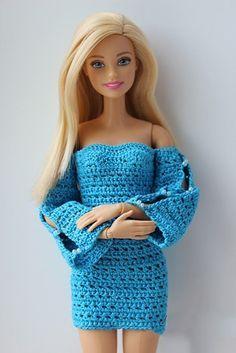 Diseños de vestidos tejidos para Barbie variados y modernos