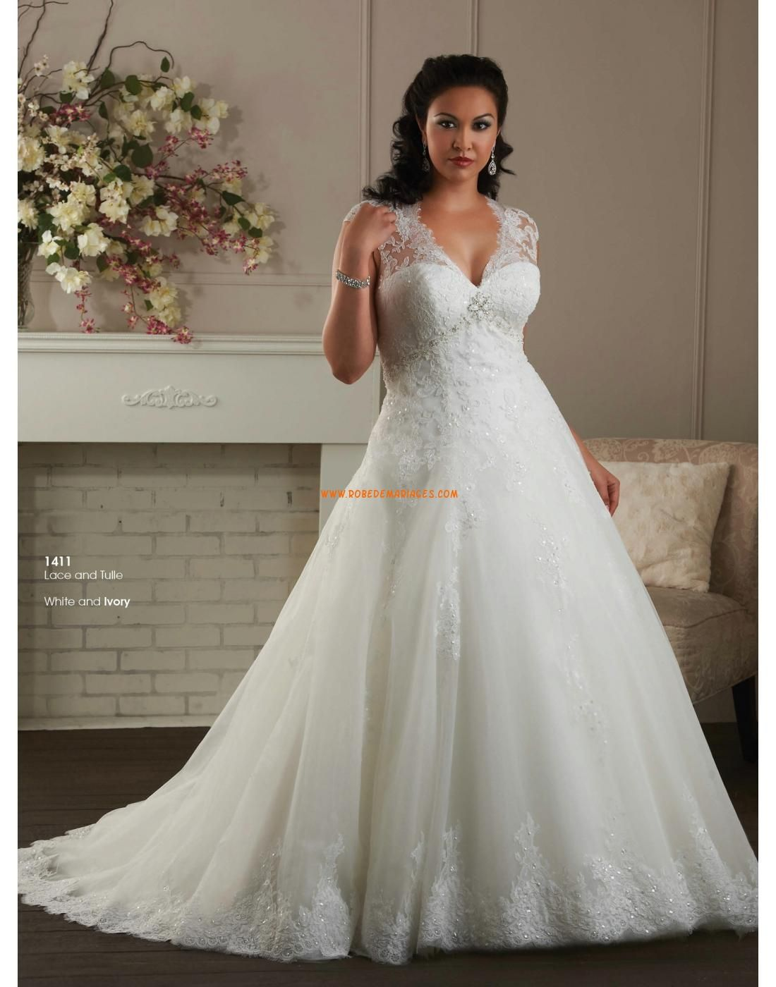 robe de mari e grande taille en tulle dentelle applique col en v femme princesse robe de. Black Bedroom Furniture Sets. Home Design Ideas