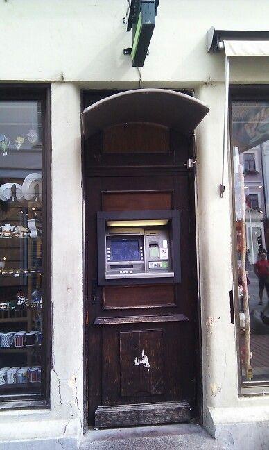 Cajero en la puerta! En Tartu