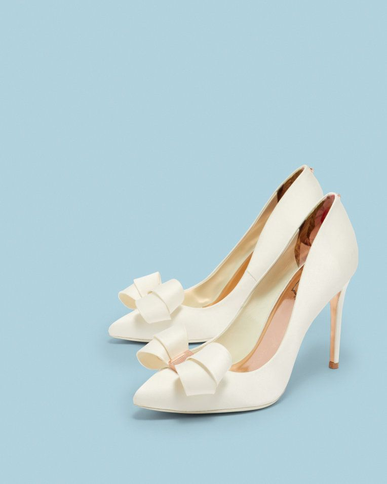 0733c8ecd Bow detail pointed courts - Ivory