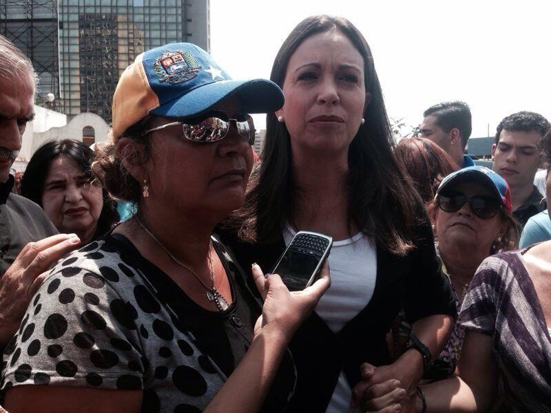 """ROSA OROZCO MADRE DE GERALDINE: Sigamos en la calle """"Mi hija no esta, pero estoy yo y seguiré luchando """" pic.twitter.com/M8ciZiJS3p"""