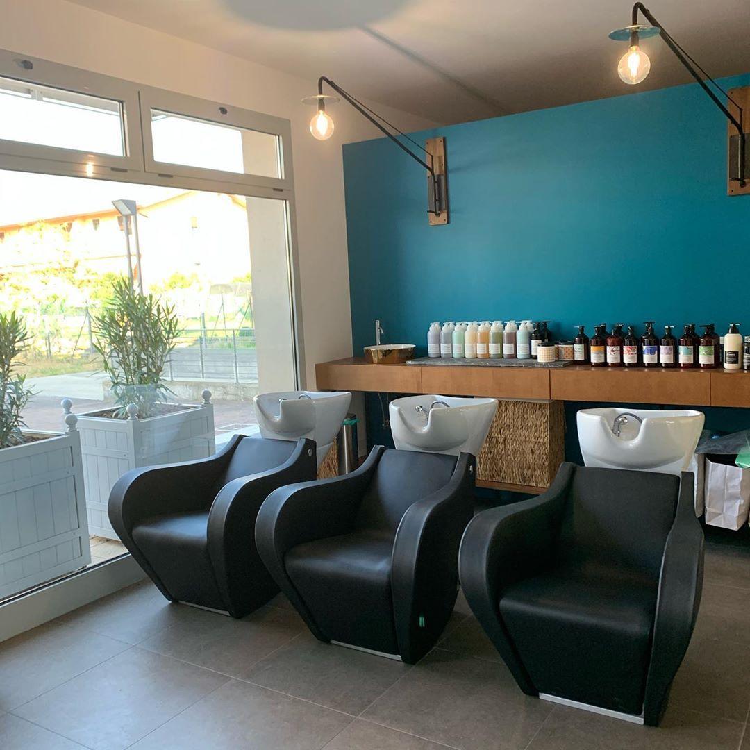 Celebrity Prime Shiatsu Gscp003bn Shampoo Bowls In 2020 Shampoo Bowls Salon Interior Design Salon Interior