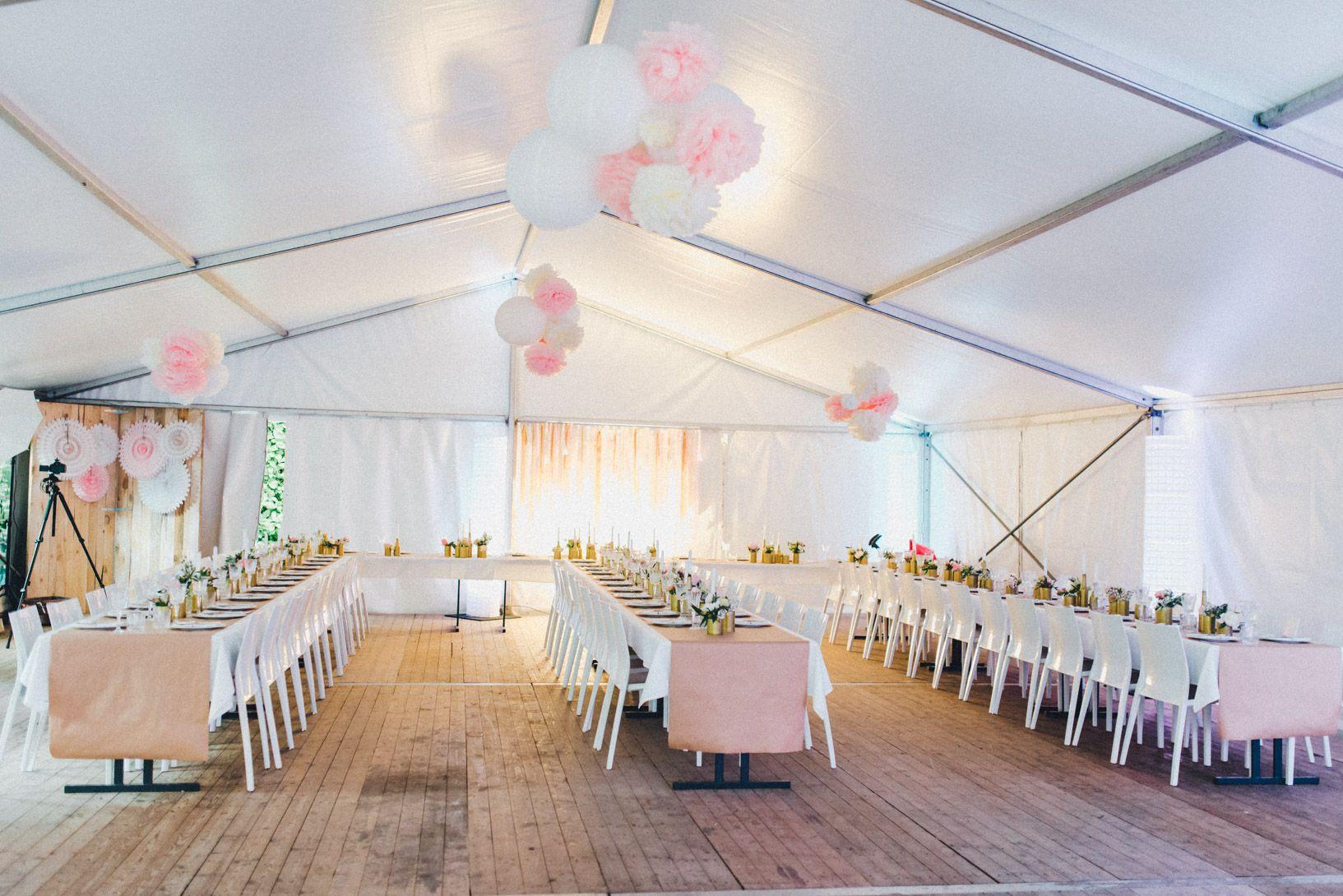 Janet Pierre Diy Midsummer Wedding In Gold Mit Vw Bulli Wedding