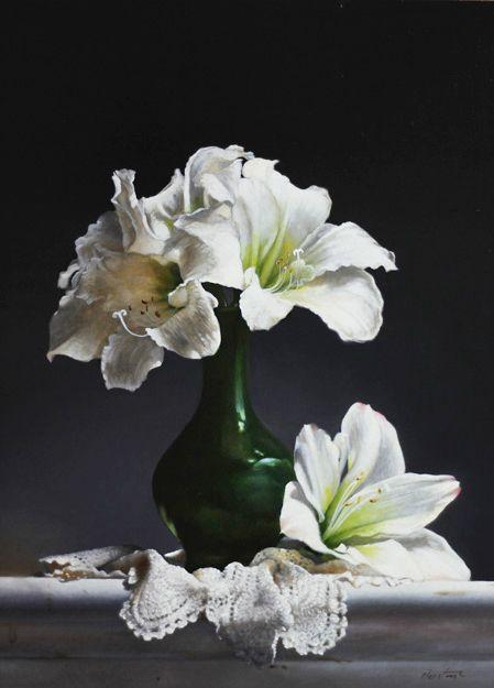 Amaryllis In Green Vase 2015 Oil On Panel 16 X 12 Amaryllis Painting Flower Art Painting Flower Painting