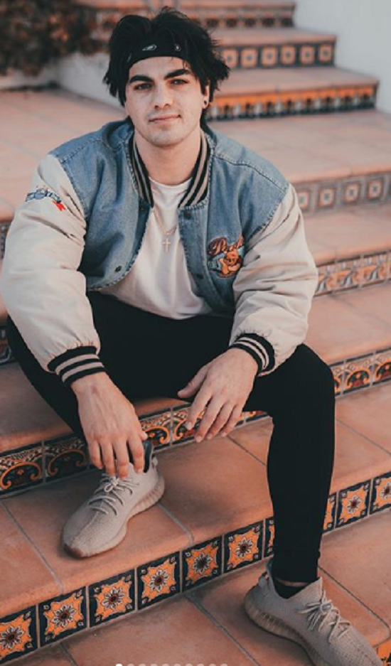 Thomas Petrou Height Net Worth How Old Is Everyone In The Hype House Tiktok Hype Country Girl Quotes Dad Birthday Quotes