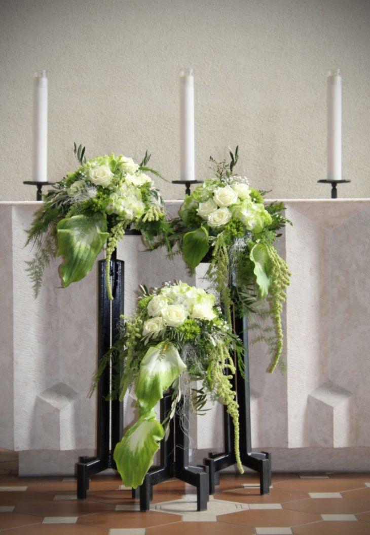 Blumenschmuck Altar