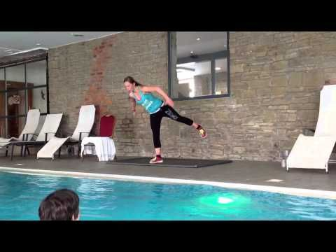 Aqua Zumba Despierta ( warm up ) - YouTube
