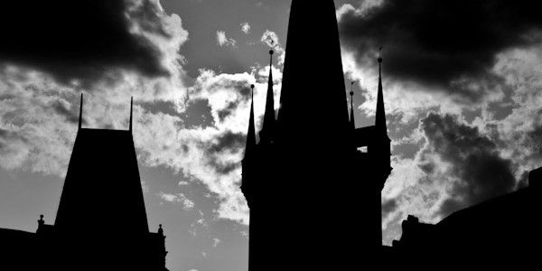 La ville de Prague se décompose en trois grandes parties : la vieille ville (déjà présentée dans un précédent article), le parc des amoureux et et château royal (avec la cathédrale Saint Guy).