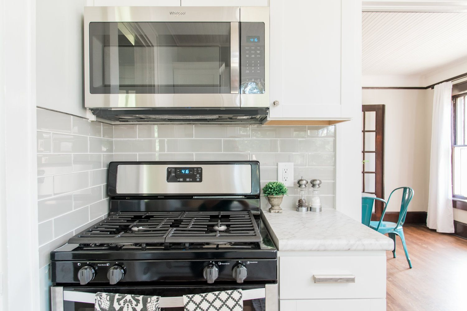 Best Lowe S Stock Cabinets Review Cheap Kitchen Cabinets 640 x 480