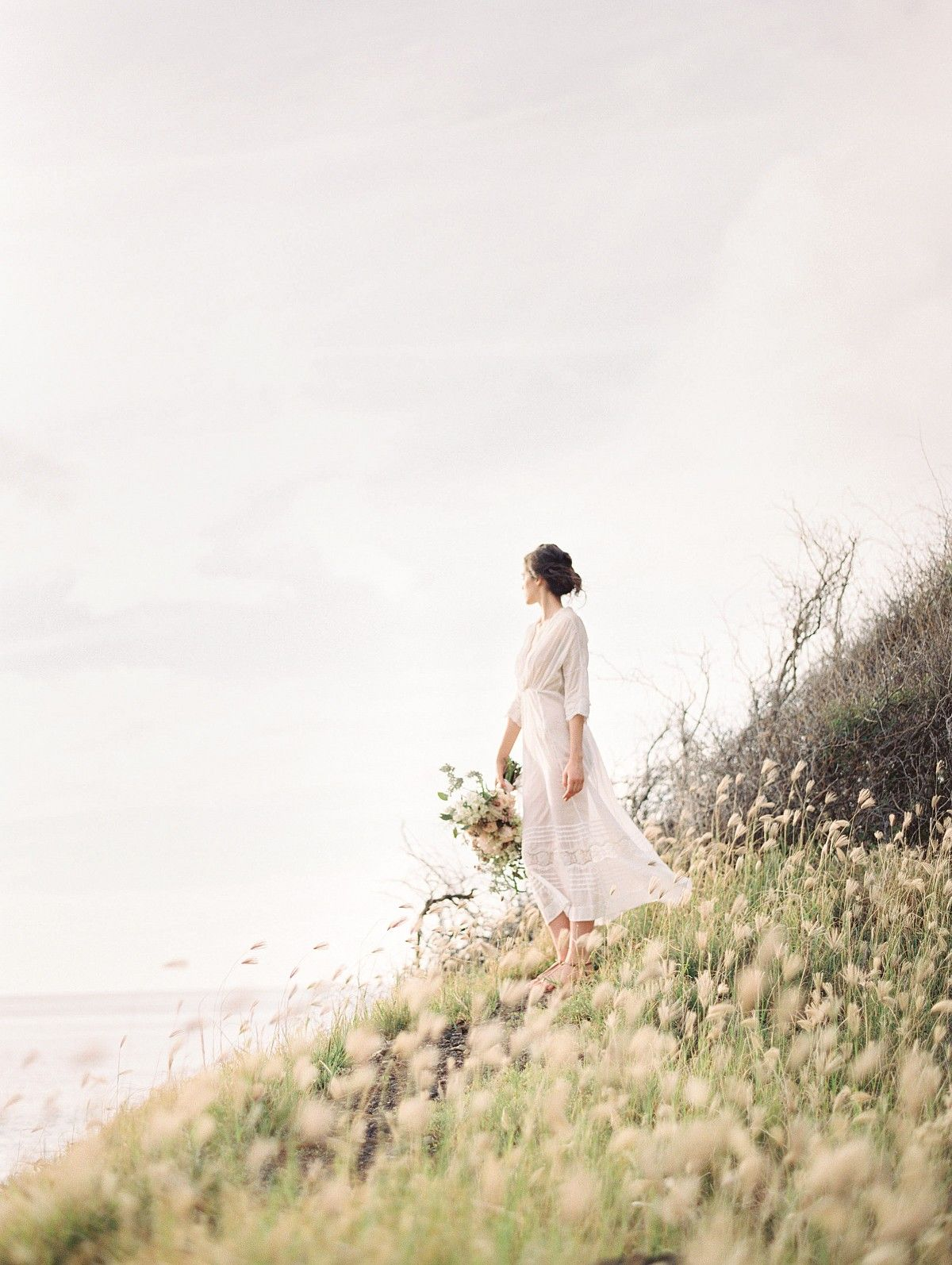 Ethereal and romantic bridal style among the hawaiian hills by