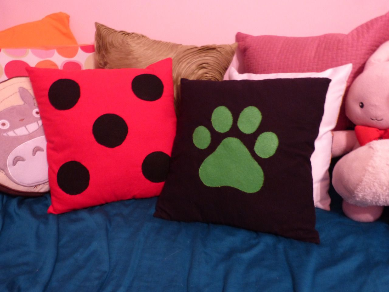 ❤ Miraculous Ladybug & Chat Noir pillows ❤ | Ladybug and Chat Noir ...