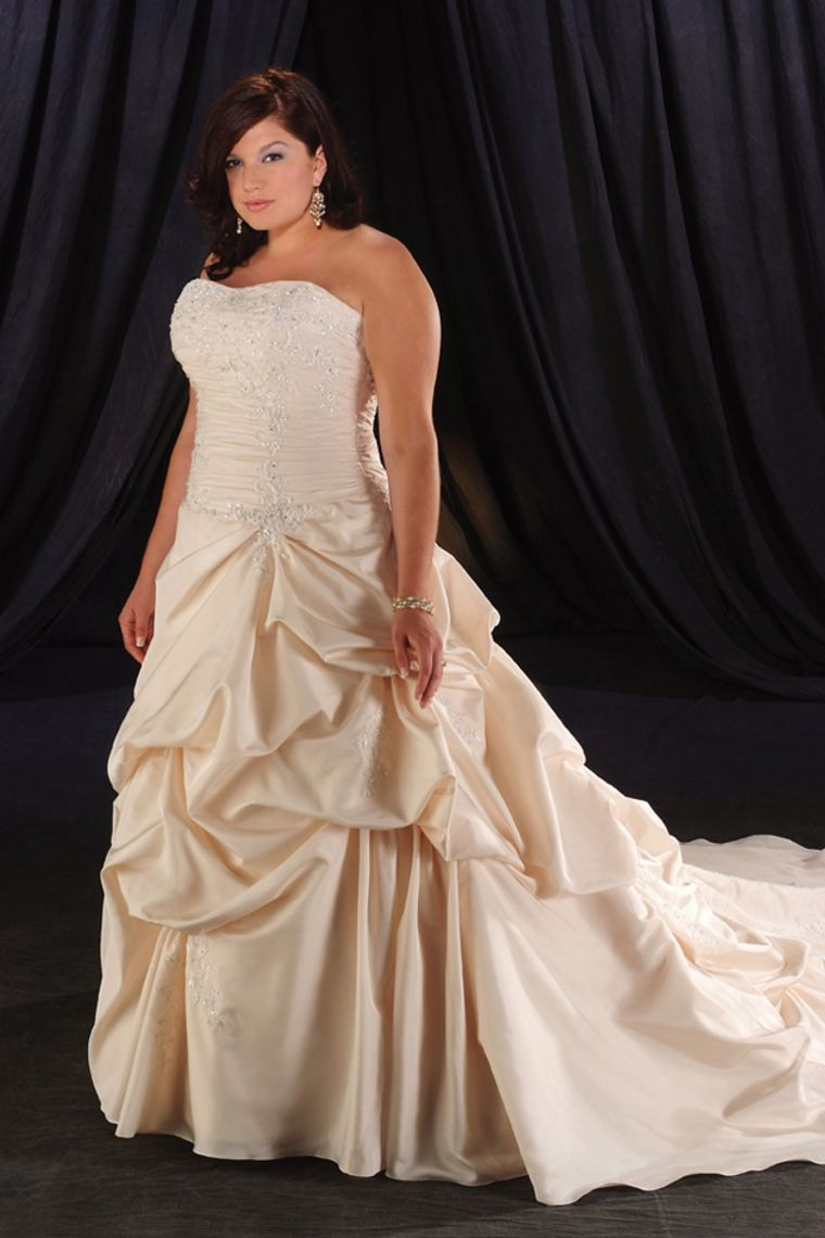 Champagne plus size wedding dresses  Beautiful A Line Strapless Beading Bowknot Court Train Plus Size