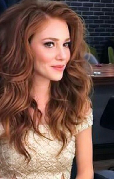 Elcin Sangu Turkish Actress Who Played Guzide In The Turkish Tv