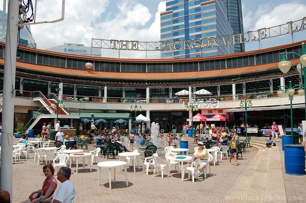 The Downtown Jacksonville Landing Has Restaurants Ping And It S On St John River