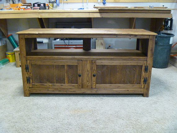 rustic pallet tv stand chicken wire doors sideboard reclaimed wood shabby chic media stand. Black Bedroom Furniture Sets. Home Design Ideas