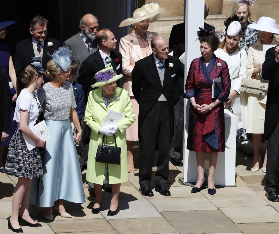 Englands Konigin Queen Elizabeth Ii Und Prince Philip Sowie Weitere Mitglieder Der Koniglichen Familie Nach D Prinzessin Anne Prinz Philip Prinz Harry Hochzeit