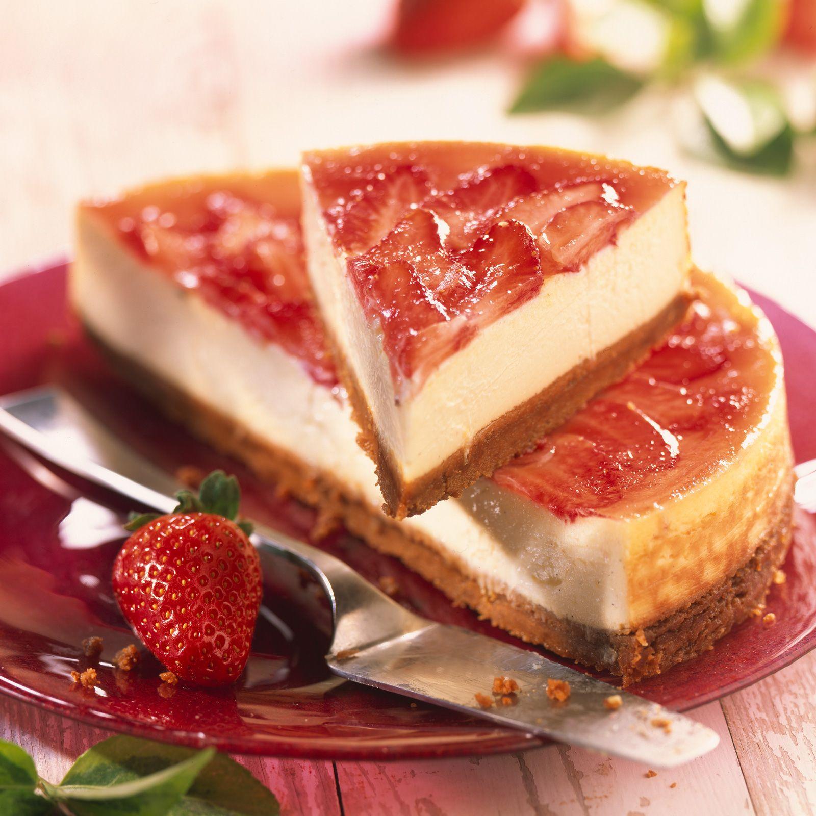 Gateau avec fraise et framboise