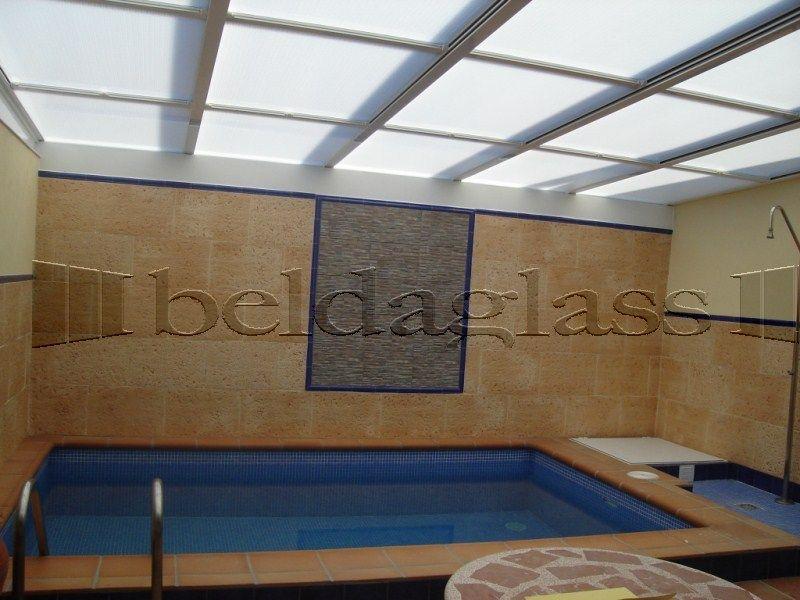 Terraza cubierta con techo movil de policarbonato - Suelo de policarbonato ...
