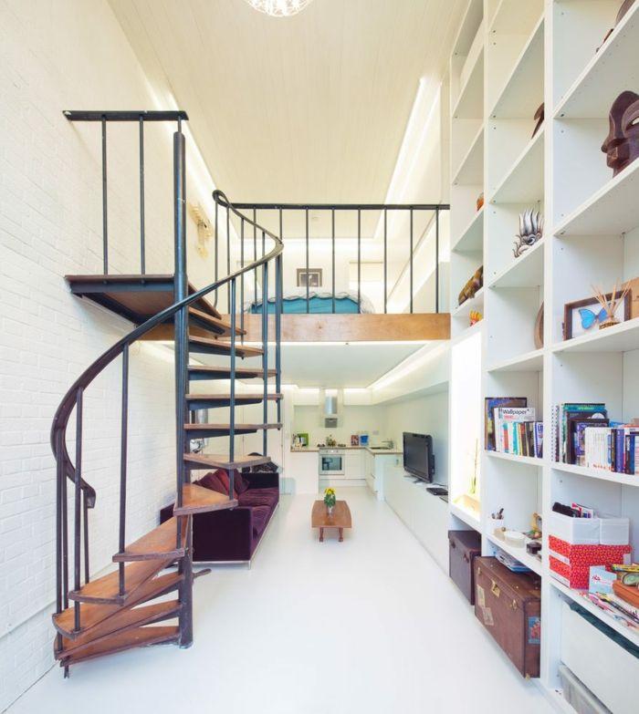 eine kompakte treppe in kleiner wohnung backstein optik. Black Bedroom Furniture Sets. Home Design Ideas