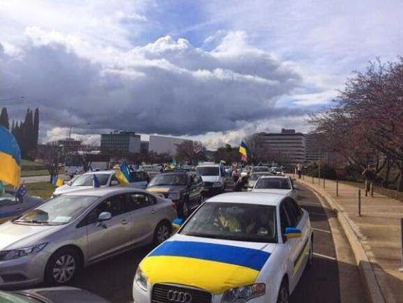В Австралії їдуть голосувати з українськими прапорами http   espreso.tv news 04e2a0ef5dce3