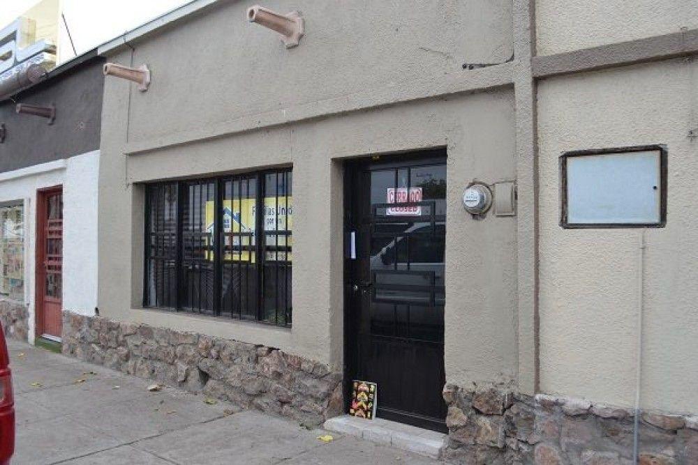 """<p>Delicias, Chih.- Las oficinas de la """"Familias Unidas"""" se encuentran cerradas e inclusive se ven abandonadas, así lo denotan documentos"""
