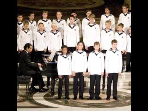 Vienna Boys Choir Christmas.Christmas O Little Town Of Bethlehem Vienna Boys Choir