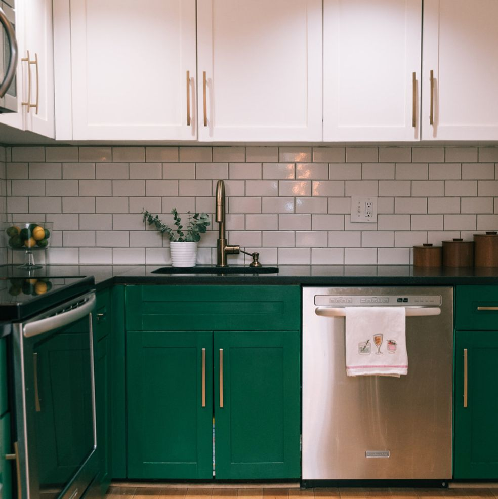 3 336 Likes 44 Comments Houzz Houzz On Instagram See How A Couple Stretched Their Home Improvement Dollars With Kitchen Space Kitchen Kitchen Cabinetry