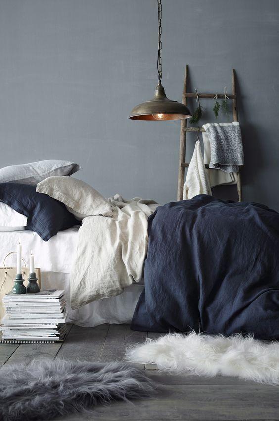 Inspiratie voor een grijs blauw industrieel interieur met de kleur ...