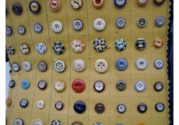 Salesman Sample - Button...