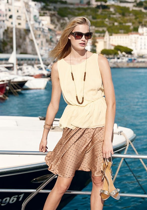 Summer is coming! #Benetton #woman #summer15 #skirt world.benetton.com/magazine/this-week/ethno-chic/