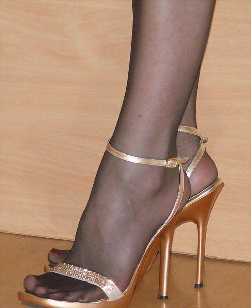 Hot Pantyhose Feet