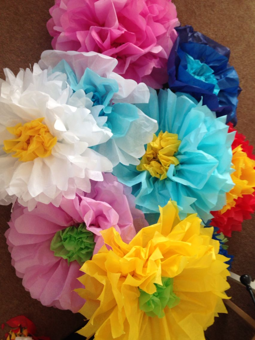 paper flowers for my mexican themed classroom  classroom