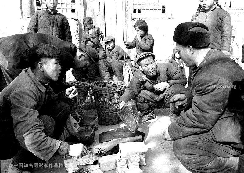 背篓商店 Weng Naiqiang, Shop selling beilou (baskets carried