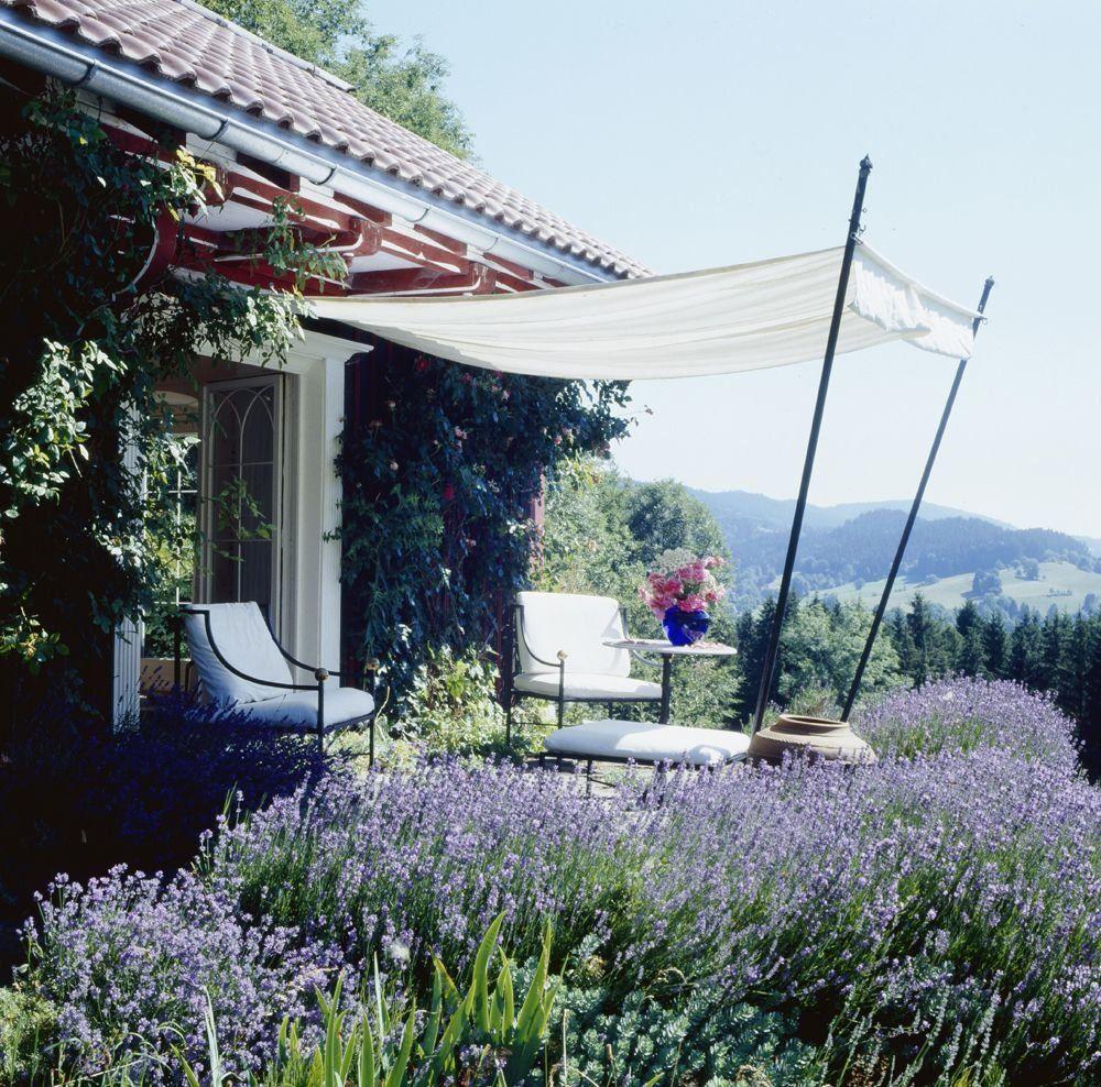 Sonnenschutz Fur Die Terrasse Alternativen Zum Sonnenschirm Das Haus 1000 In 2020 Outdoor Furniture Ideas Backyards Outdoor Backyard